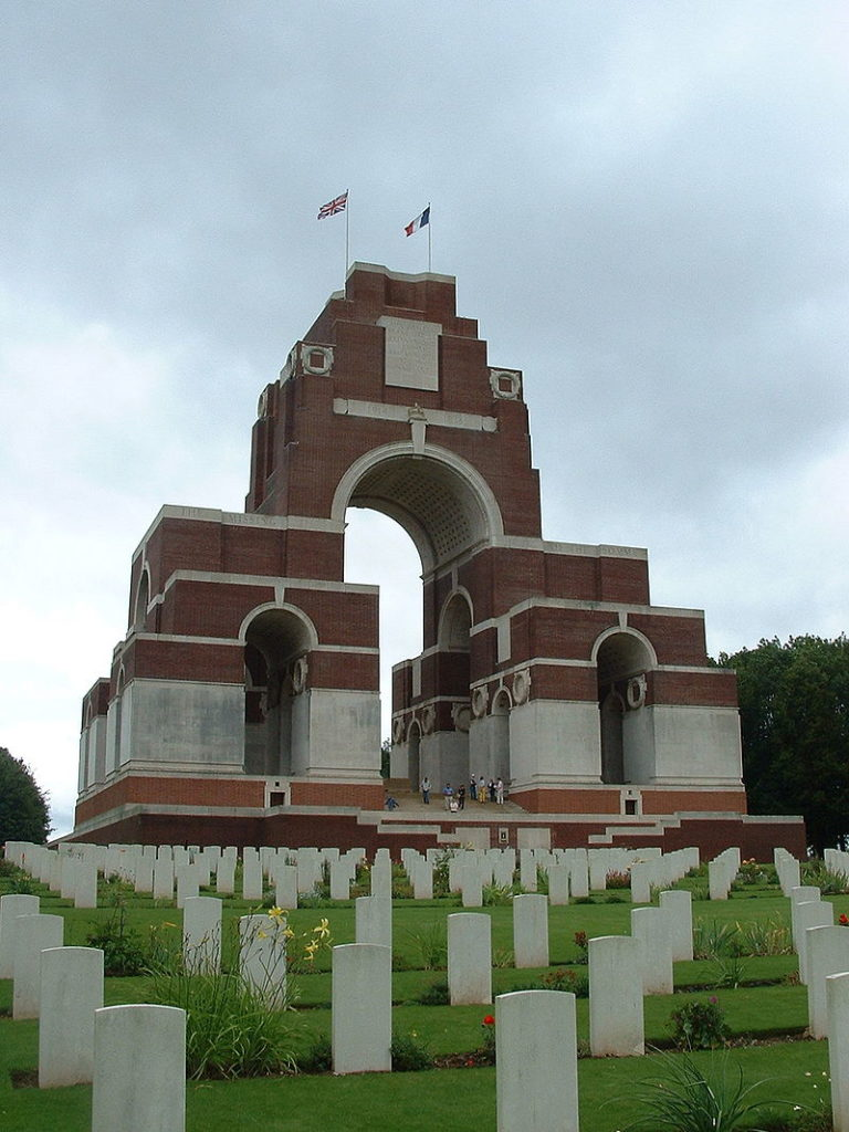 800px-Thiepval_Memorial_to_the_missing